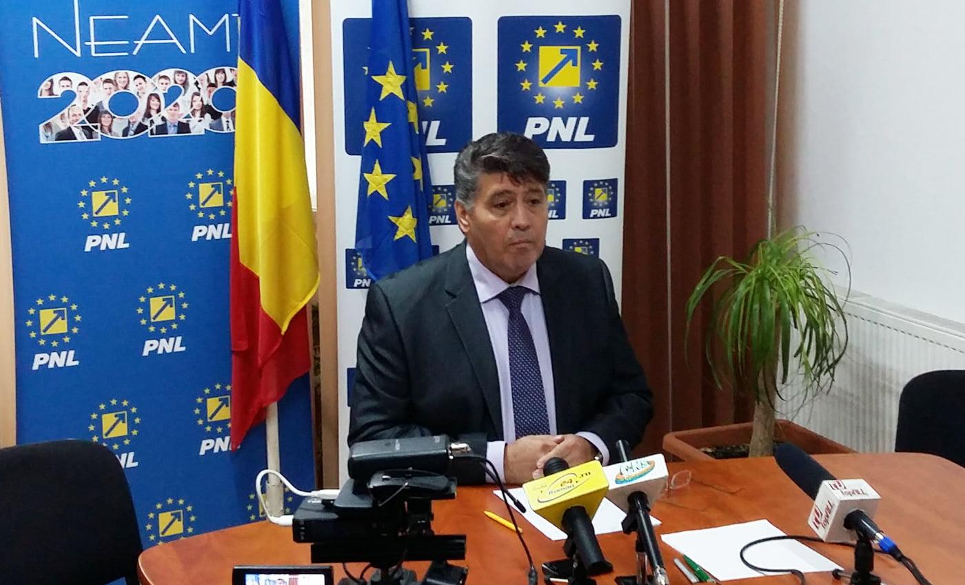 """Vicepreședintele PNL Laurențiu Leoreanu: """"Altă decizie aberantă a ministrului Pop «Genunche»: eliminarea gradației de merit pentru orele suplimentare"""""""