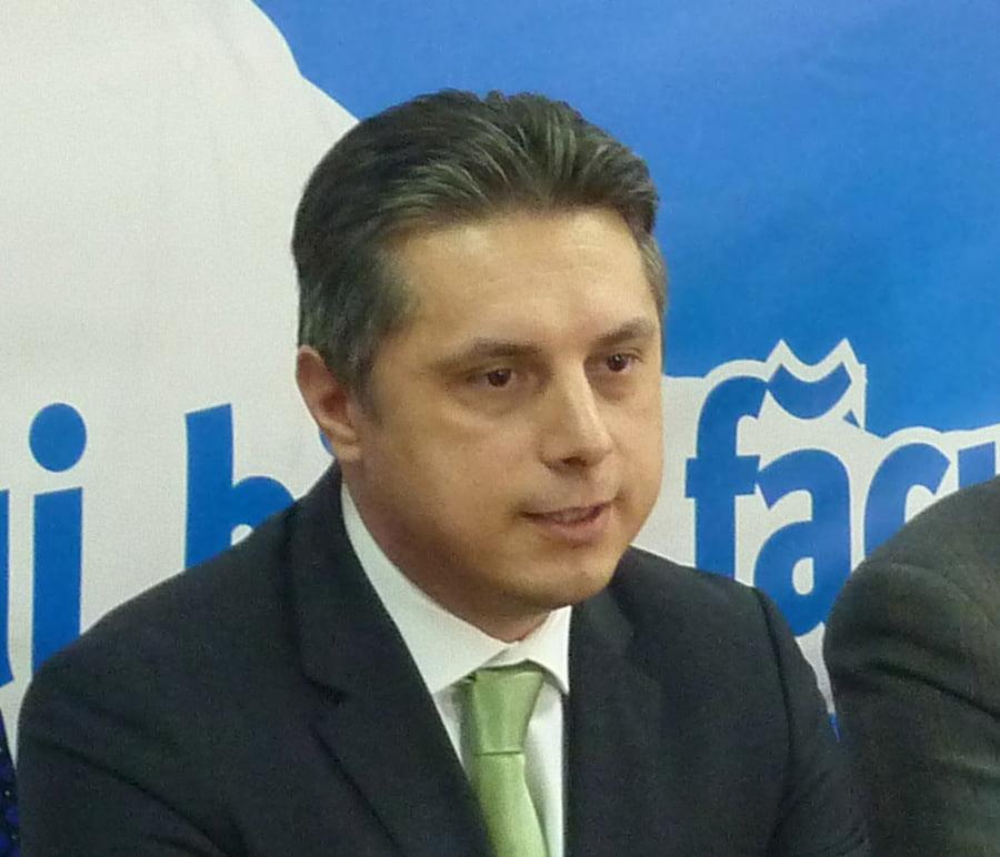 """Mugur Cozmanciuc: """"Astăzi se decide viitorul județului Neamț! Proiectul NEAMȚ 2020 trebuie început și dezvoltat!"""""""