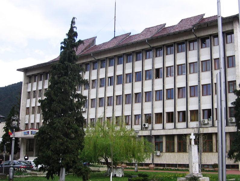 Dezbatere a proiectului noii Legi a Turismului la Piatra Neamț, în prezența ministrului Mircea Titus Dobre