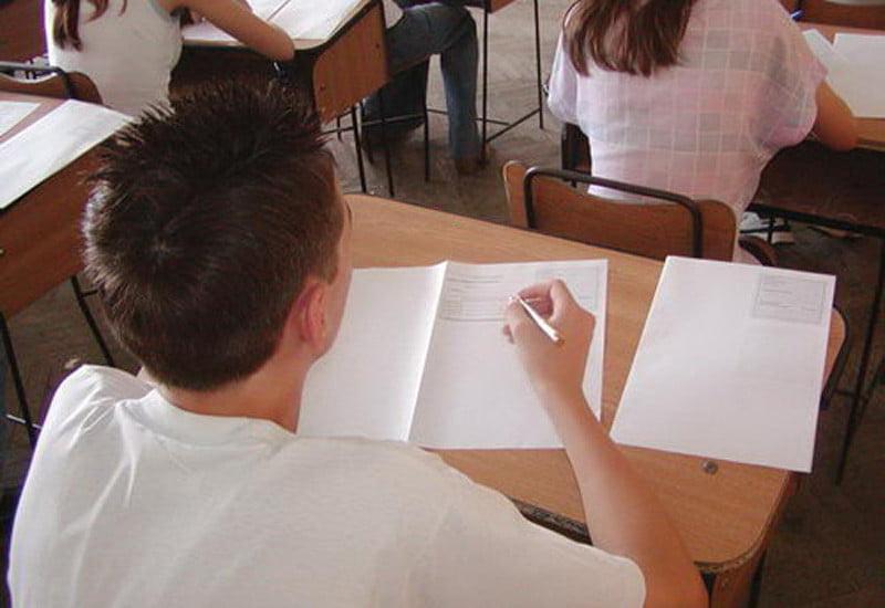 Un elev eliminat și 64 de absenți la proba la Matematică de la Evaluarea Națională, în Neamț