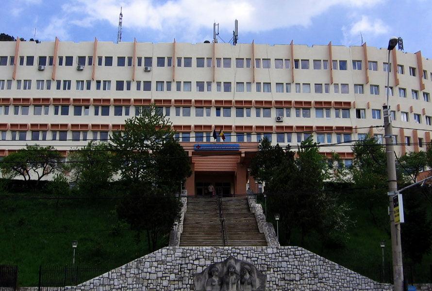Pacienții din județ infectați cu COVID-19, tratați la spitalul din Piatra Neamț