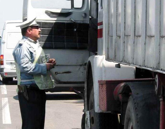 Tarifele rovinietelor vehiculelor de transport mai mari de 3,5 tone, modificate de Guvern