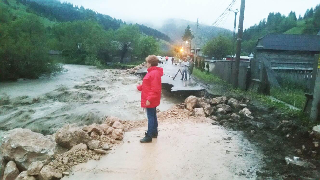 11 milioane de lei aprobate de Guvern pentru localităţile din Neamţ afectate de ploi şi inundaţii