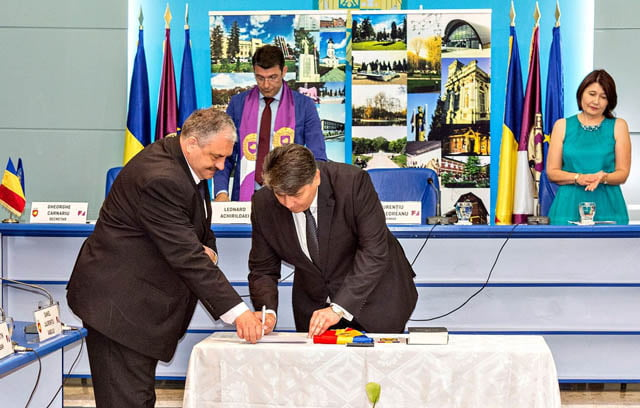 Primarul Laurenţiu Leoreanu a intrat în cel de-al treilea mandat