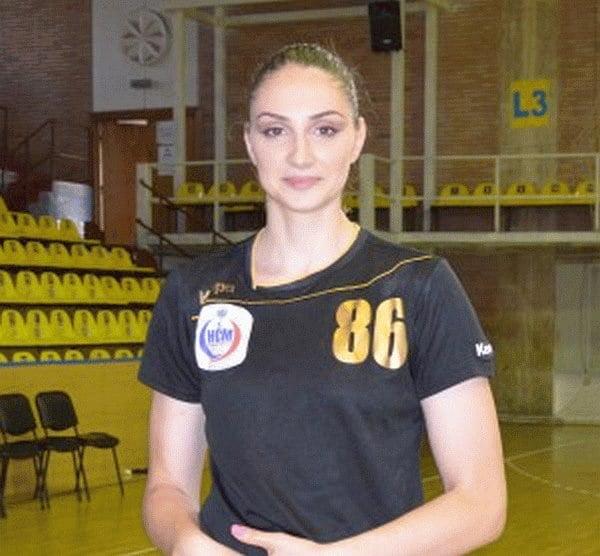 Ultimul transfer al acestei veri: Clara Vădineanu va juca handbal la Roman