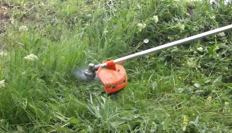 Soluții pentru ca iarba cosită să fie ridicată pe loc