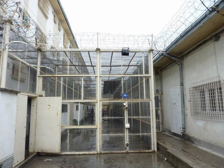 Protest la miezul nopţii în Penitenciarul Bacău