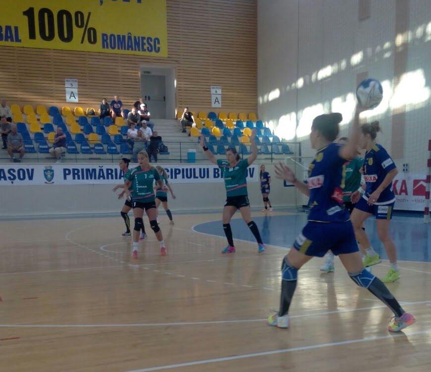 Două victorii și un egal pentru handbalistele de la CSM Roman, în turneul de la Brașov