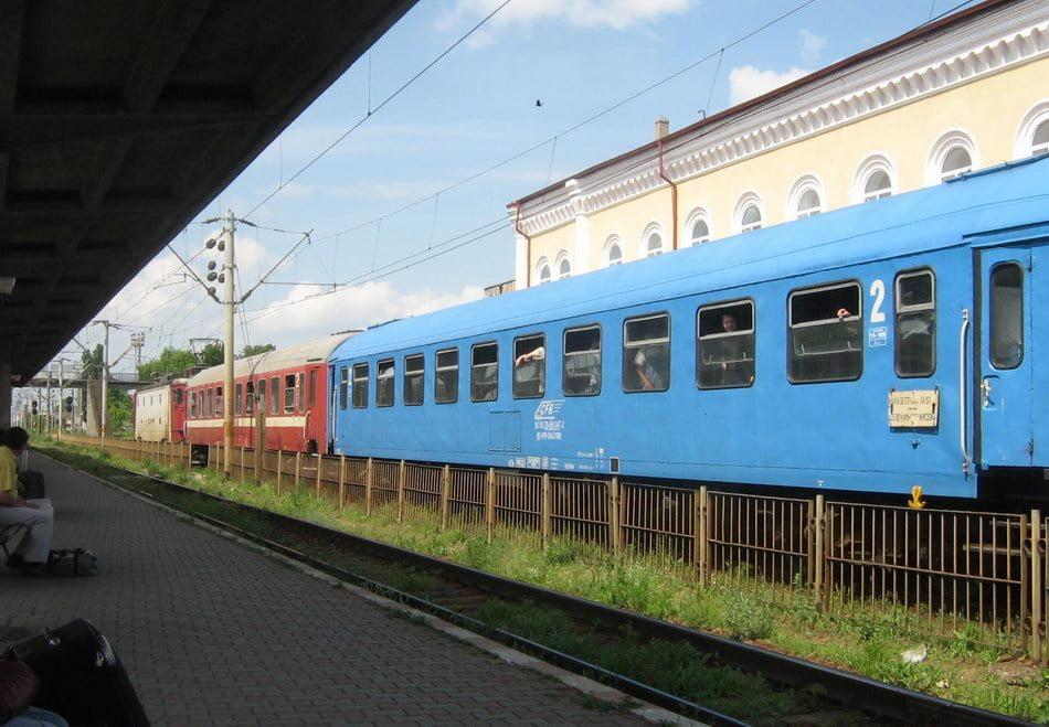Programul trenurilor, modificat în acest weekend, cu ocazia vizitei Papei Francisc