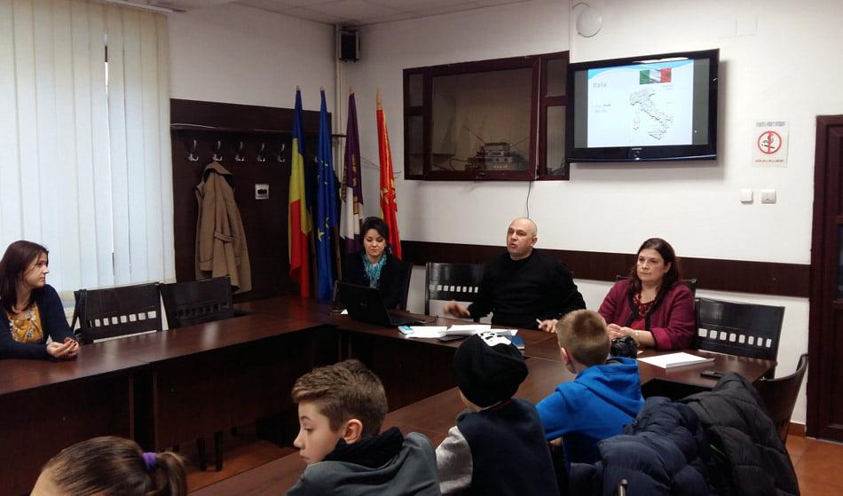 """""""Viață sănătoasă și oportunități egale prin sport"""", printr-un proiect european, la Liceul cu Program Sportiv Roman"""