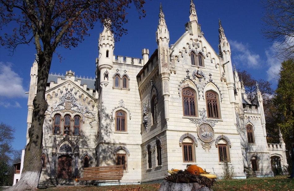 Castelul Sturdza de la Miclăușeni se redeschide sâmbătă. Ce reguli trebuie să respecte vizitatorii