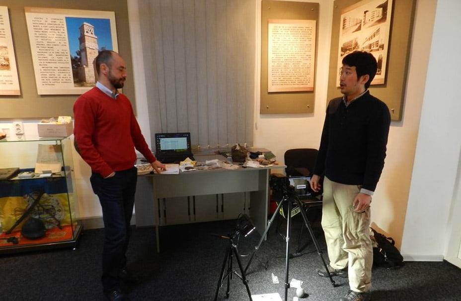 Cercetător japonez, în vizită la muzeele de istorie din Roman și Tîrgu Neamț