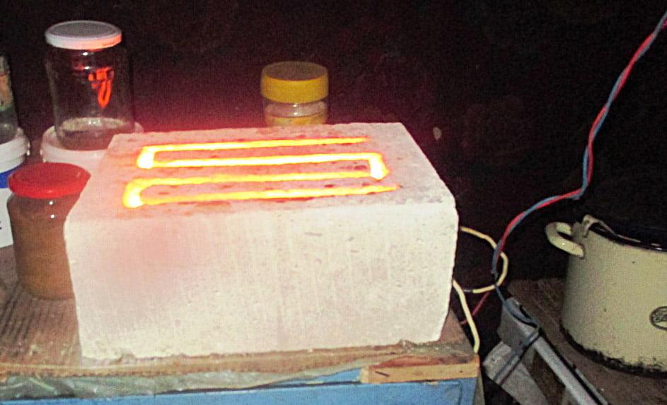 Tânăr electrocutat și carbonizat după ce a încercat să își facă un reșou