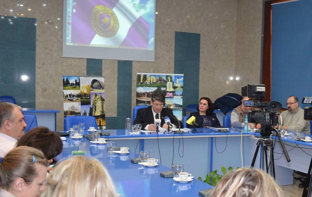 Laurențiu Leoreanu a prezentat raportul de activitate după aproape nouă ani la conducerea Primăriei Roman