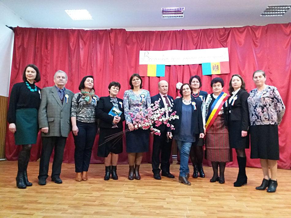 """Simpozion dedicat Basarabiei la Liceul Teoretic """"Vasile Alecsandri"""" din Săbăoani"""