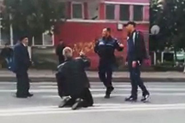 [VIDEO] Altercație în trafic, pe bulevardul Roman Mușat
