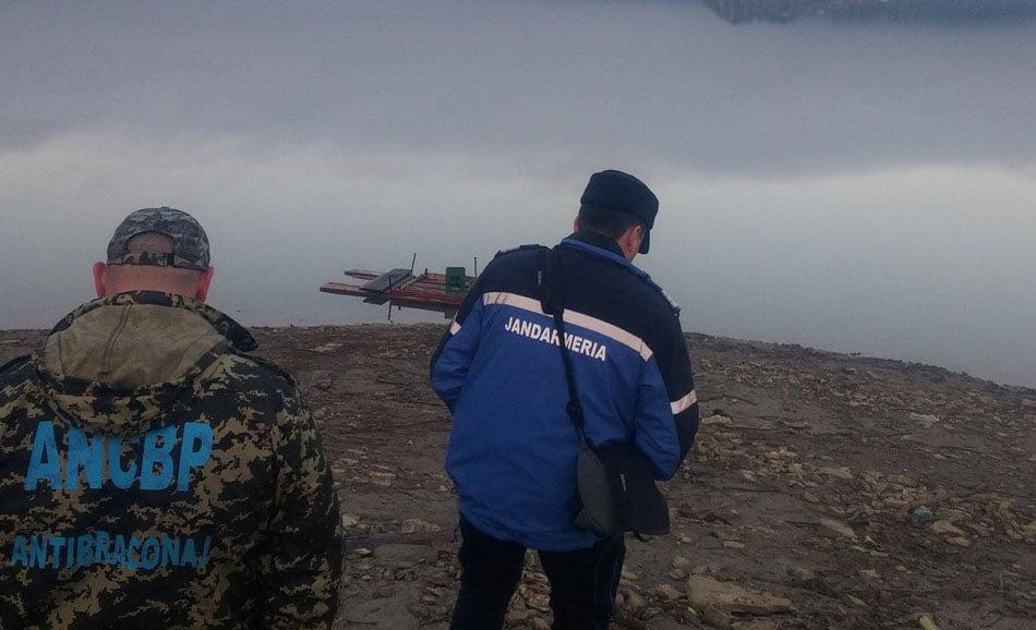 Amenzi usturătoare pentru alți 36 de pescari de pe râul Moldova