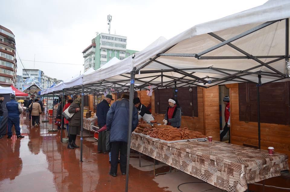 Agenți economici din țară participă la Târgul de Paște de la Roman