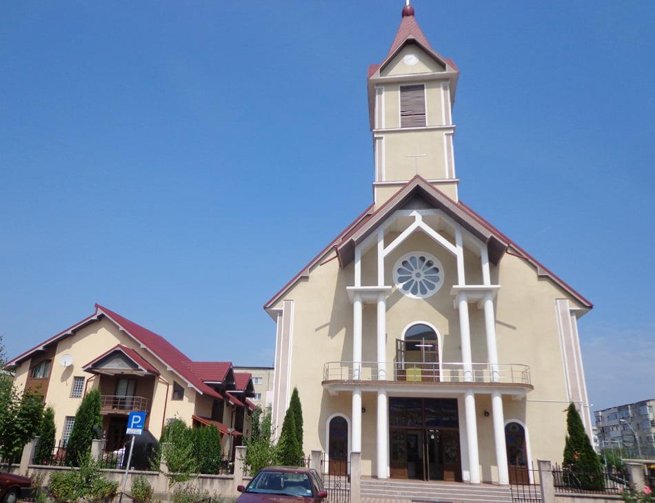 """Preotul Francisc Fărcășel se mută la Sagna. Noul paroh al Bisericii """"Isus, Bunul Păstor"""" va fi preotul Iacob Stolnicu"""