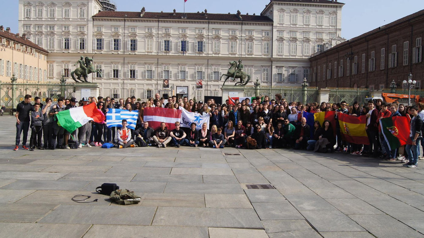 """[FOTO] Experiențe inedite în Italia pentru elevii și profesorii LPS Roman, în cadrul proiectului """"Viață sănătoasă și oportunități egale prin sport"""""""