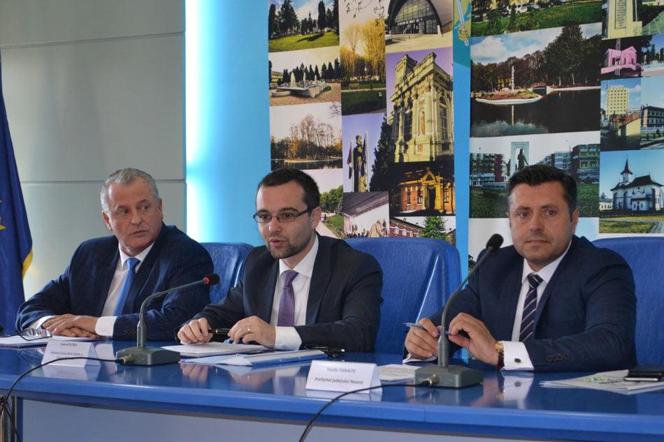 Ministrul Gabriel Petrea a participat la Roman la ședința Comisiei de Dialog Social