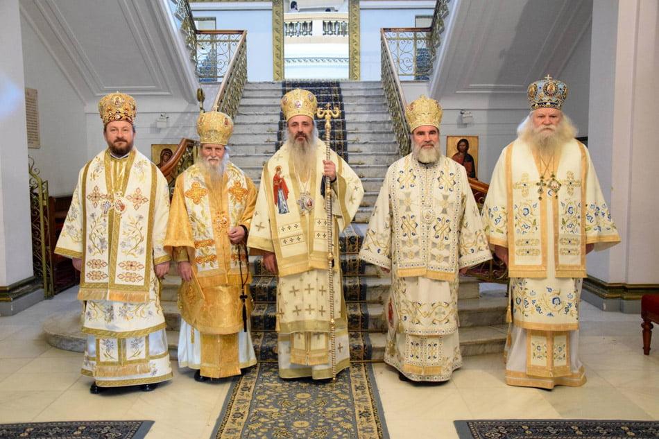 IPS Ioachim a participat la ședința Sinodului mitropolitan al Mitropoliei Moldovei şi Bucovinei