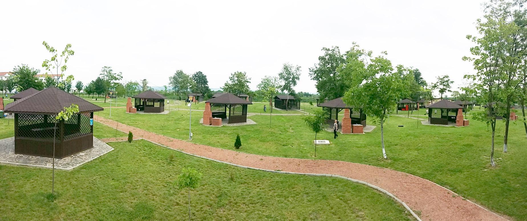 Vineri se deschide zona de picnic de lângă ștrand