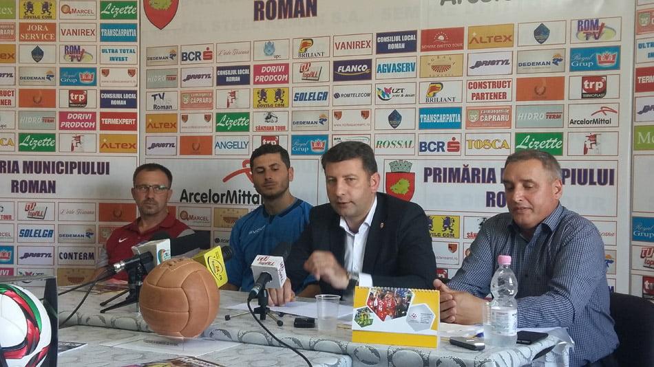 Echipa de fotbal CSM Roman se pregătește pentru noul sezon