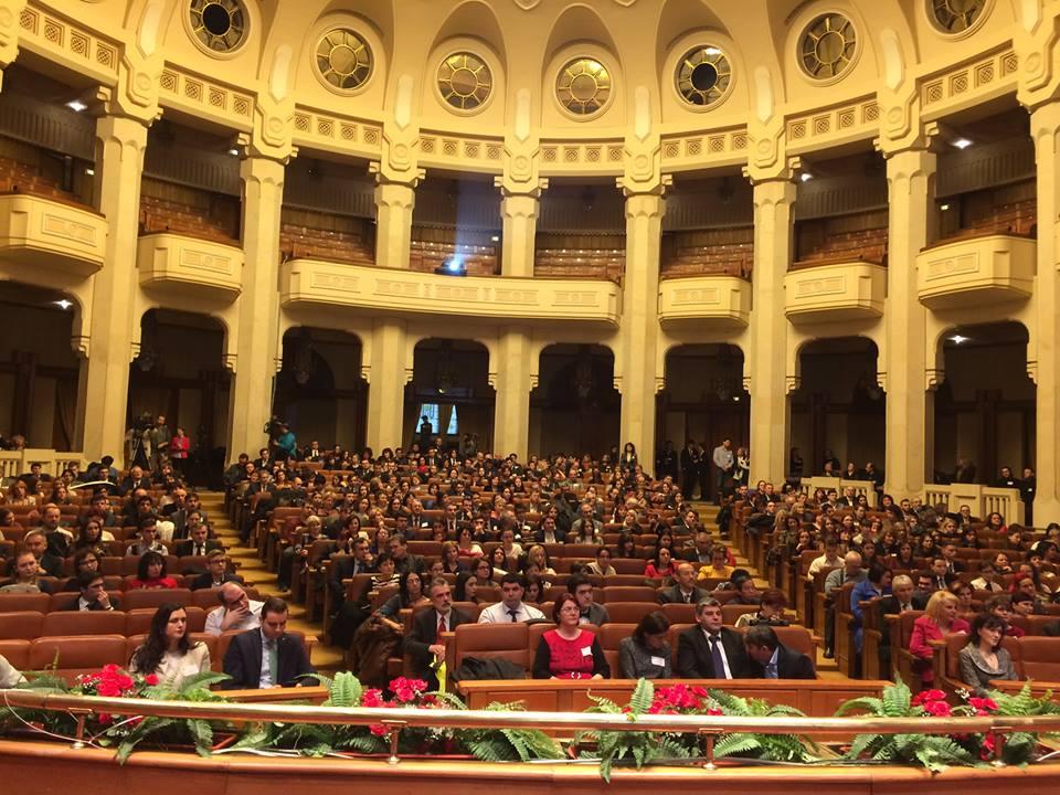 Olimpici internaționali din Roman și Gherăești, premiați de ministrul Educației