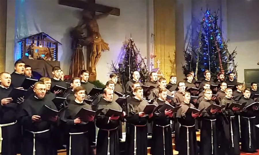 Concerte de Crăciun ale elevilor și studenților din Roman. Concertul Institutului Franciscan poate fi vizionat online