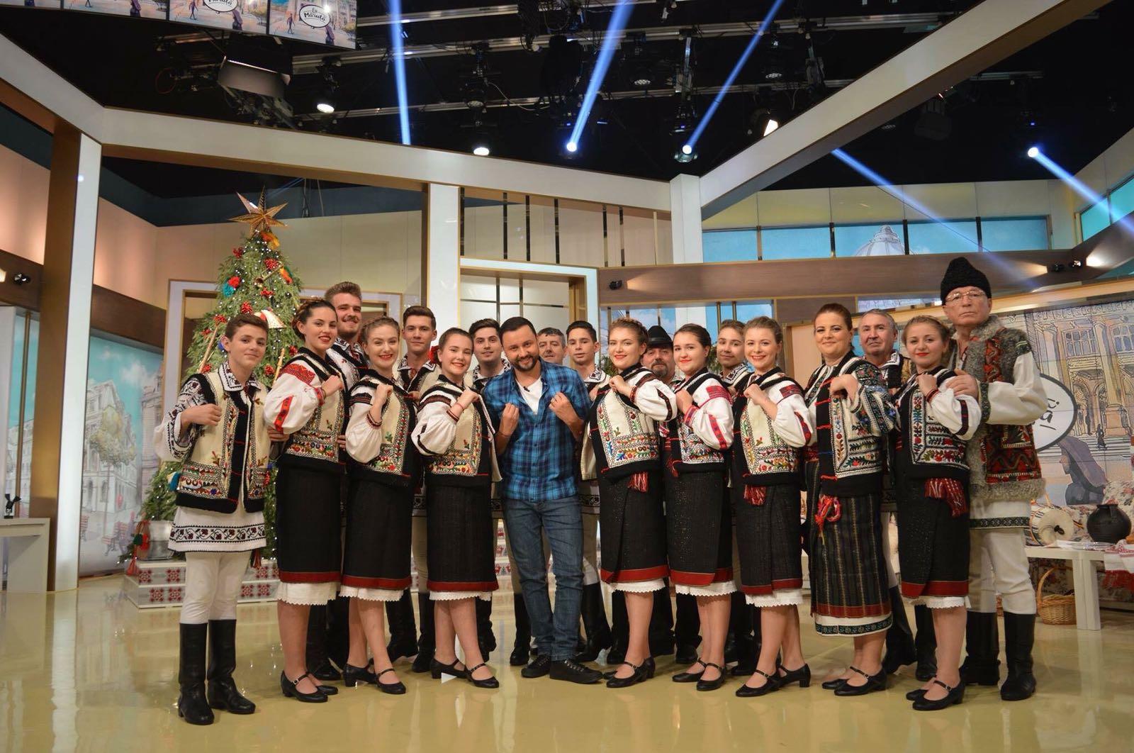 """Ansamblul Folcloric """"Brâul Roșu"""" din Neamț, în concurs la ProTV de Ziua Unirii Principatelor"""