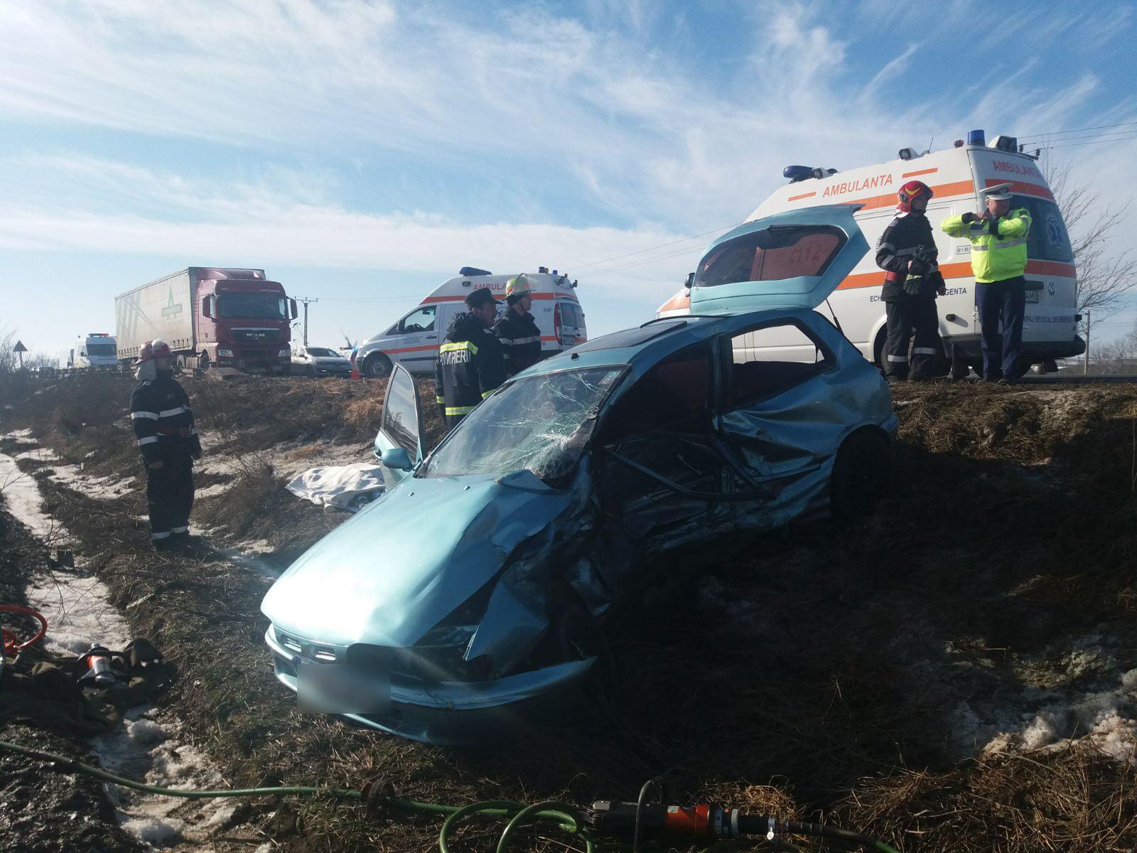 Accident rutier grav pe E85, cu o persoană decedată și doi răniți