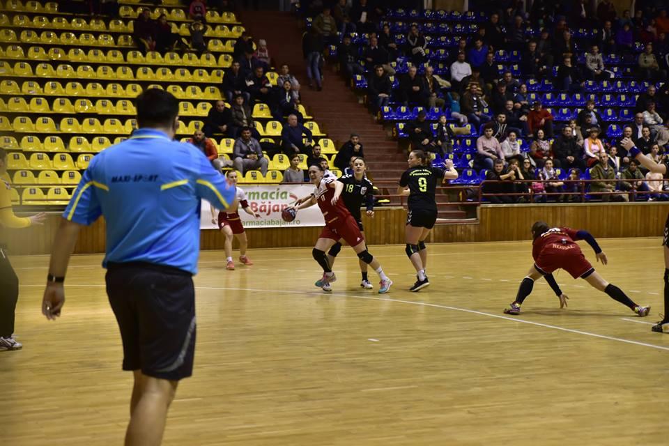 Primul meci al CSM Roman în 2018, miercuri, pe terenul HCM Râmnicu Vâlcea