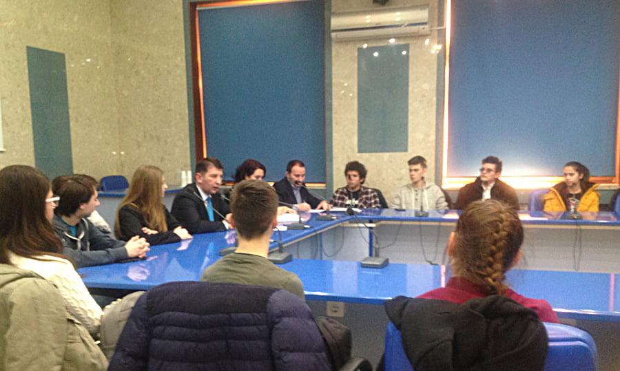 Tinerii romașcani vor mall la Roman