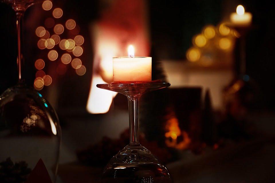 Sondaj E.ON: Lumânările sunt încă la loc de cinste în casele europenilor: germanii le preferă pentru cinele romantice, românii le vor doar la ocazii festive