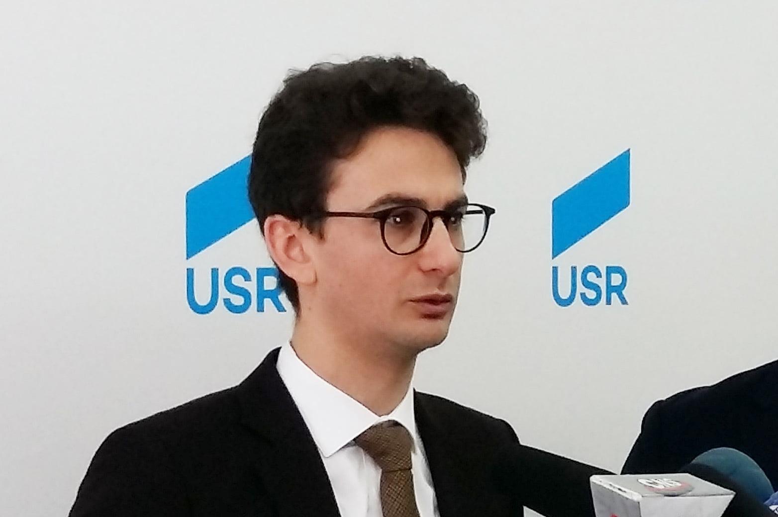 Deputatul USR Iulian Bulai a interpelat Ministerul Sănătății cu privire la supraaglomerarea Secției de Pneumologie a Spitalului Roman