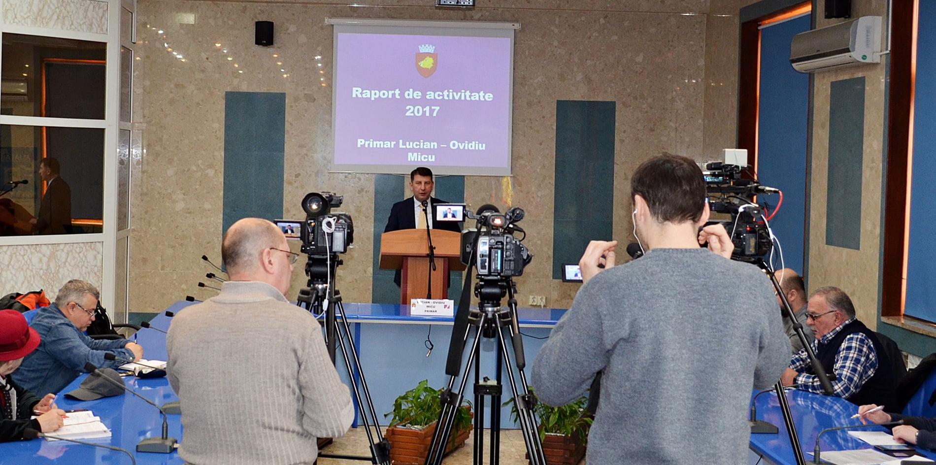 Primarul Lucian Micu a prezentat raportul de activitate la un an de mandat