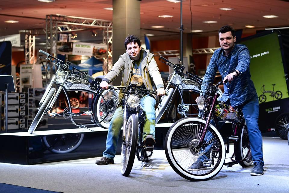 """[VIDEO] Un romașcan a realizat în premieră un """"Harley-Davidson"""" românesc al bicicletelor electrice, Bizze Chopper"""