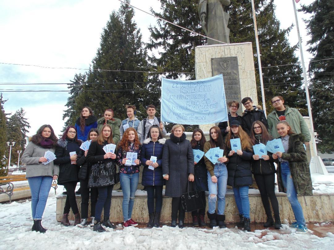 """""""O picătură de apă, o picătură de viață"""", campanie a elevilor CNRV împotriva poluării apelor"""