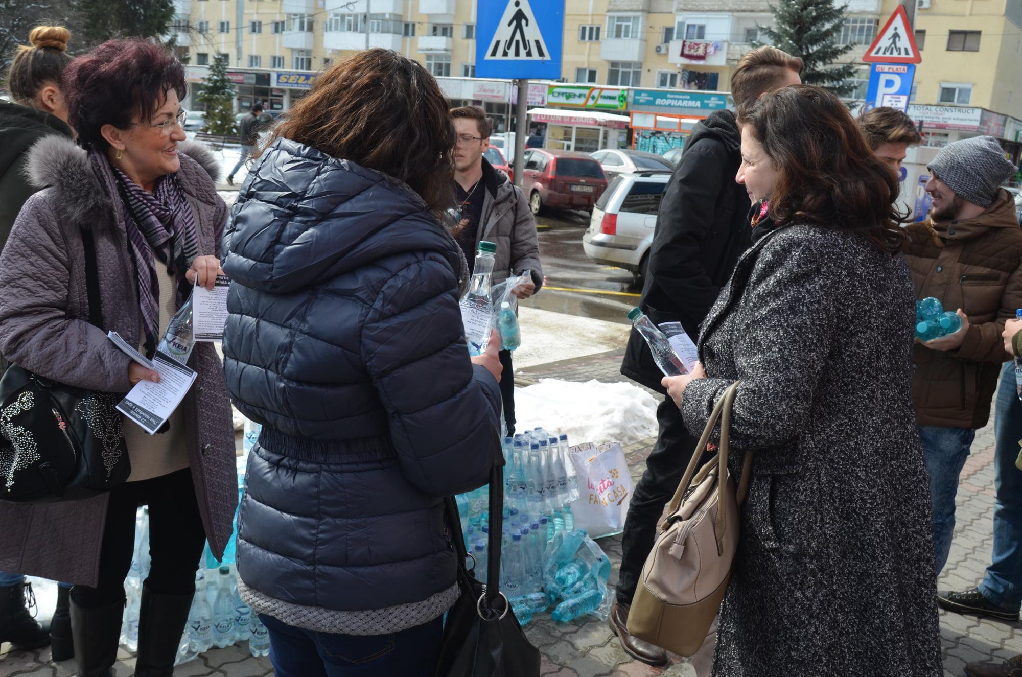 """Ziua apei a fost sărbătorită de elevii Liceului Tehnologic """"Vasile Sav"""""""