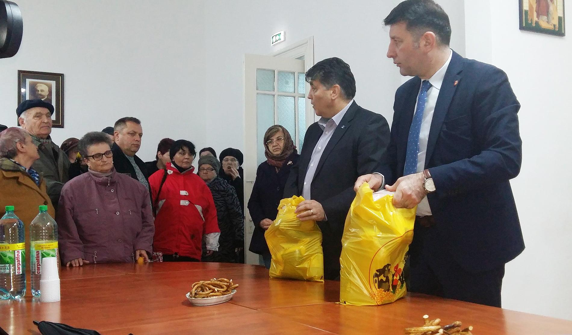 PNL Roman a oferit peste 100 de pachete pentru masa de Paști romașcanilor necăjiți