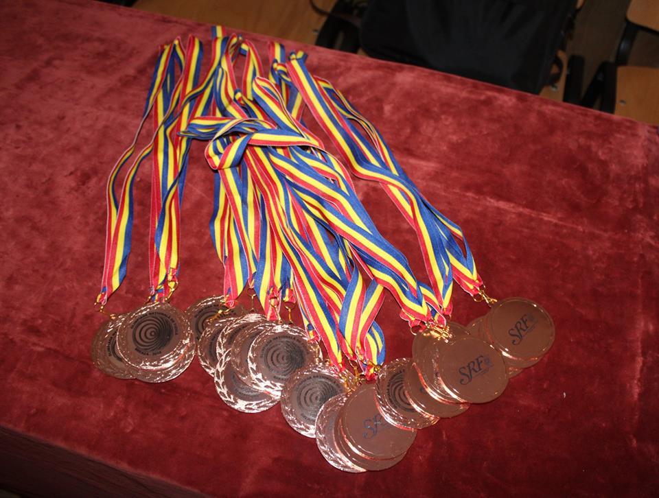 Elevi din Roman și Ion Creangă, calificați la Olimpiada națională de Fizică