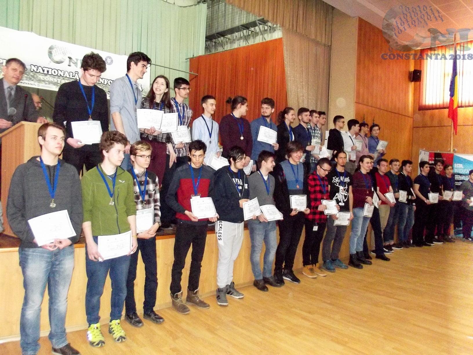 """Elevi ai Colegiului Național """"Roman-Vodă"""", premiați la Olimpiada națională de informatică"""