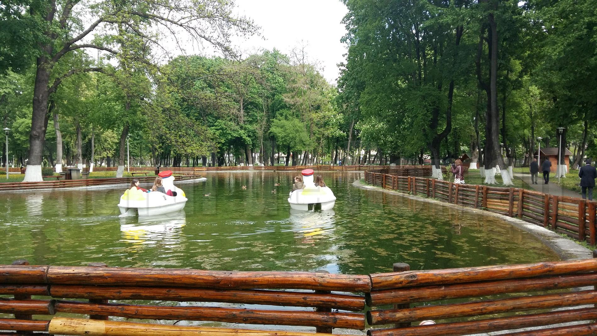 Primăria anunță redeschiderea parcurilor din Roman