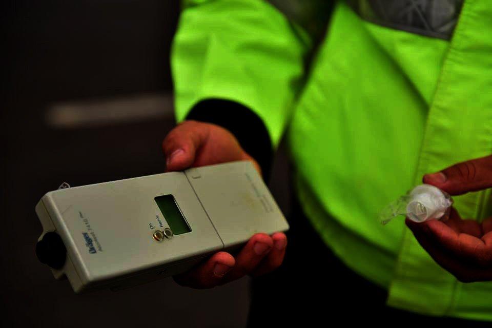 Șoferi fără permis, pentru conducere sub influența alcoolului