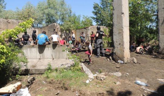 Razie a Poliției printre hoții din Roman: 60 de persoane sunt bănuite de distrugerea unor clădiri și utilaje