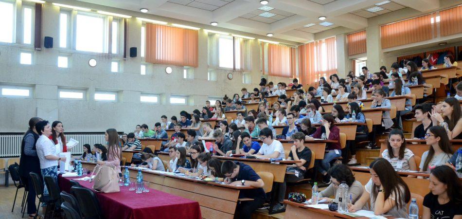 """Elevii Liceului """"Vasile Sav"""", premiaţi la etapa naţională a Concursului de Matematică Aplicată """"Adolf Haimovici"""""""