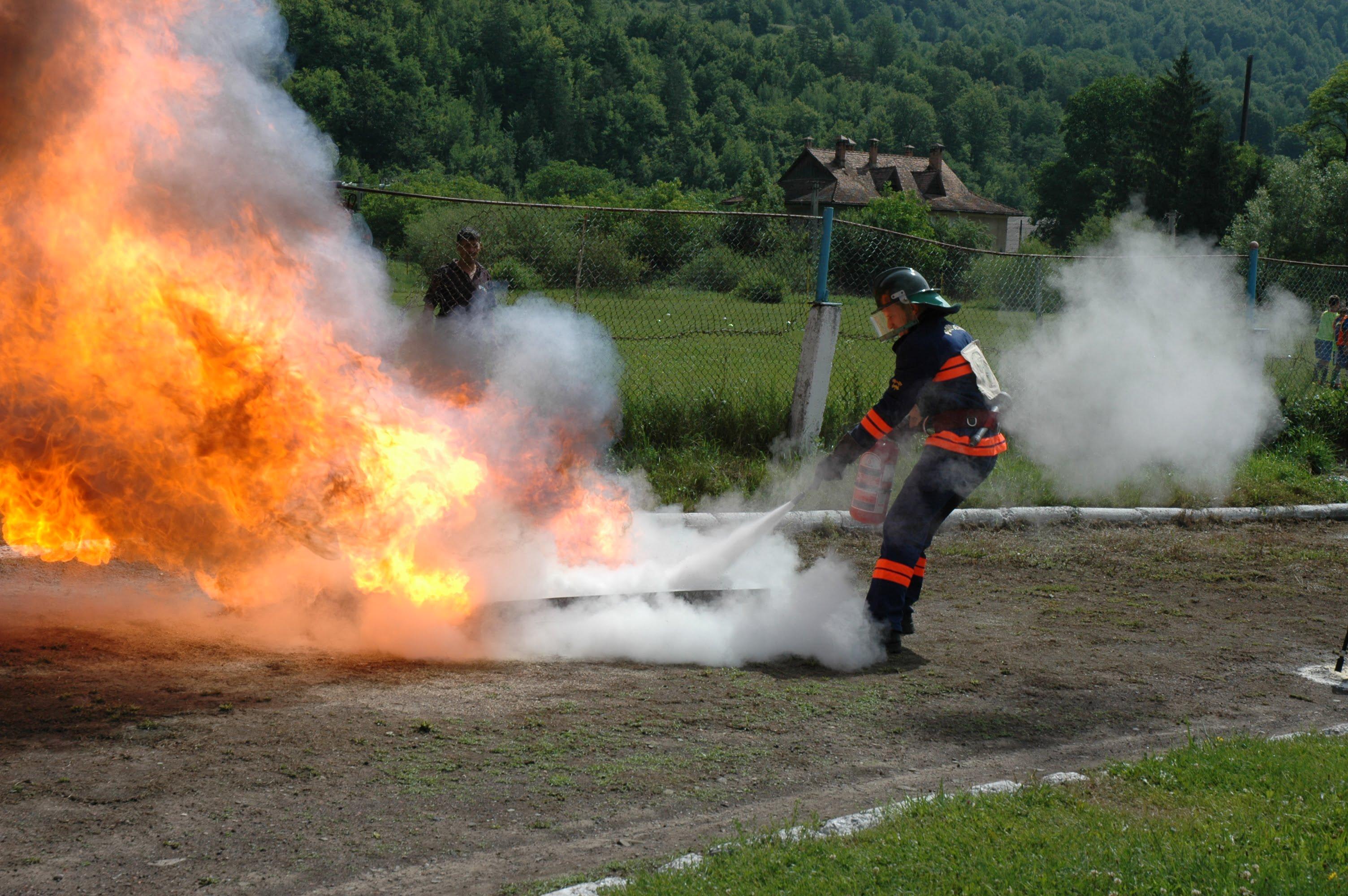 Câștigătorii concursurilor profesionale ale Serviciilor Voluntare şi Private pentru Situaţii de Urgenţă – etapa judeţeană