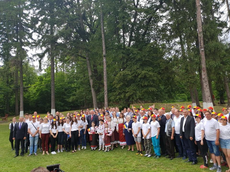 O nouă ediție a taberelor ARC pentru tinerii români din străinătate, deschisă la Oglinzi
