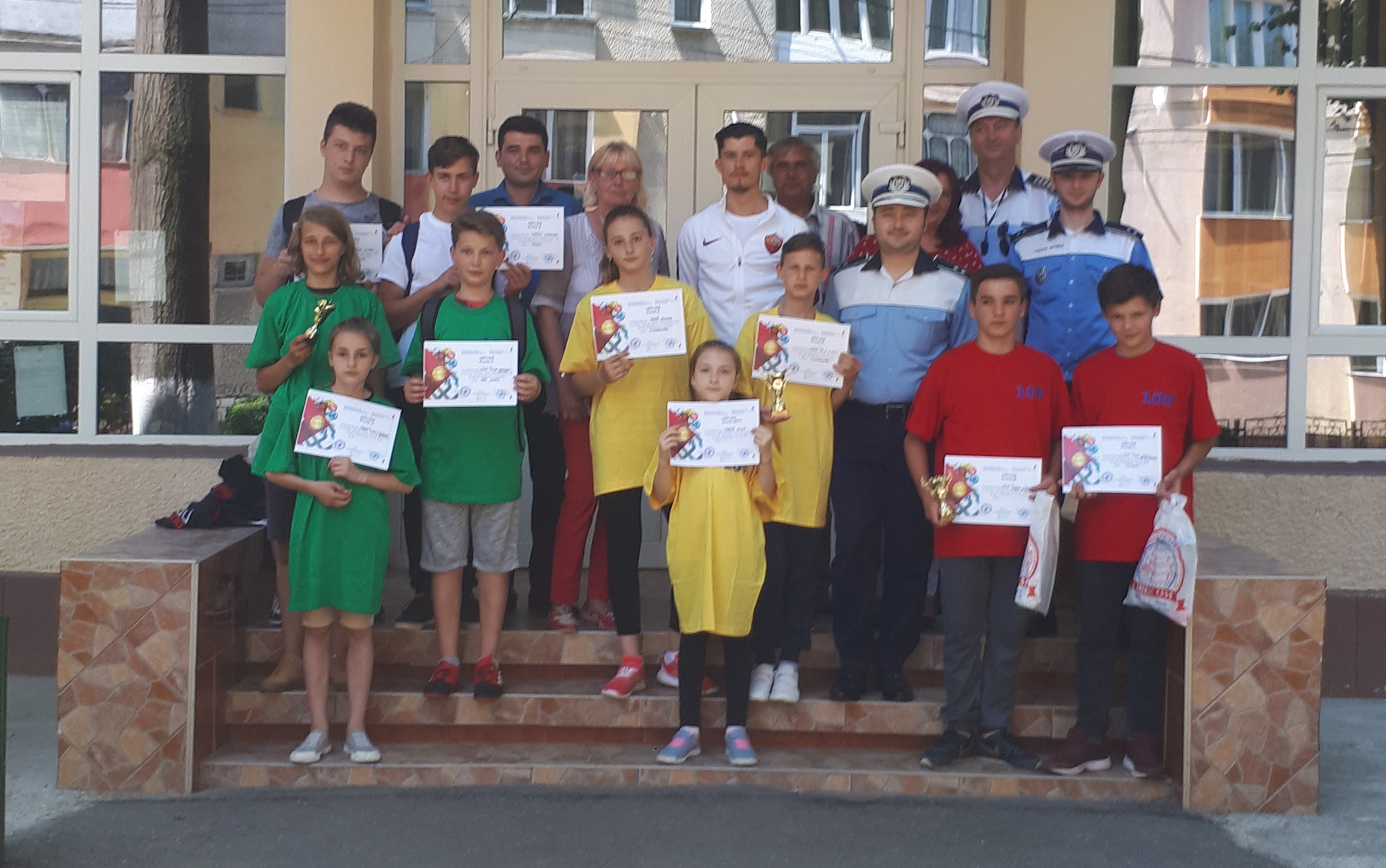"""Elevii Școlii """"Mihai Eminescu"""", câștigători ai etapei județene a Concursului """"Educație rutieră – educație pentru viaţă"""""""